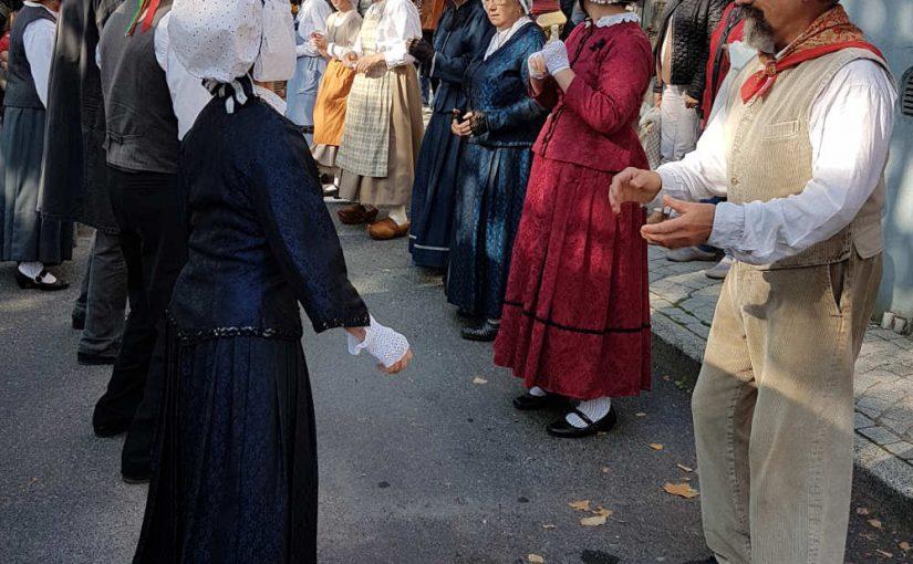 Faire partie d'un groupe folklorique