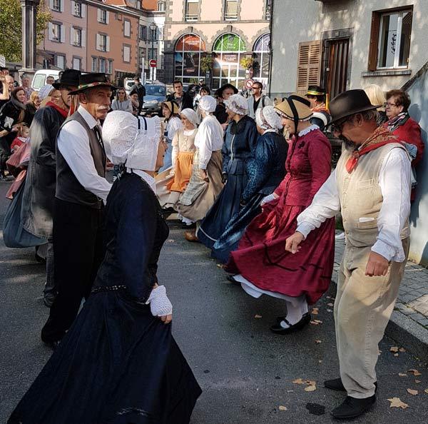 groupe folklorique pour animer la fête